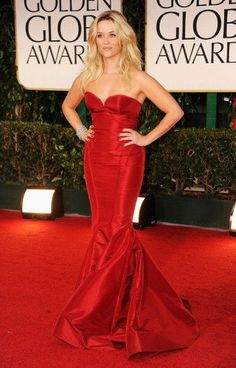 Love Reese Witherspoon - esp. in this fiery Zac Posen number!