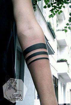 Masculine Armband Tattoo Designs for Men (18) #tattoosformenmeaningful
