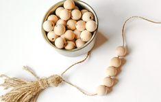 diys with beads Wood Bead Garland, Diy Garland, Beaded Garland, Garlands, Decorative Beads, Diy Tassel, Christmas Ornament Crafts, Perler Bead Art, Hobbies And Crafts