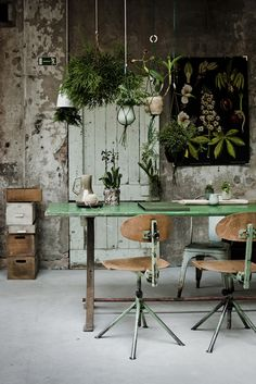 rustic, wood, green - love the textures here.