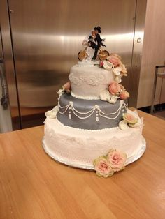 Weddingcake made by me. The cykling chimney sweepers:)