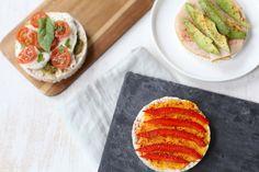 In dit artikel laten we jullie 3x rijstwafel inspiratie zien. Van een Italiaanse variant tot eentje met hummus en paprika. Lekker, simpel en snel.