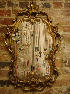I repurposed a broken vintage mirror to display my jewelry in Vintage Moon Modern. I am so happy with how this came out!etsy… www.fac… - ALL ABOUT Vintage Moon, Broken Mirror, Found Art, Old Jewelry, Diy Frame, Crafty Craft, Find Furniture, Creative Decor, Jewellery Display