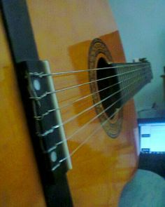 Mi guitarra acústica