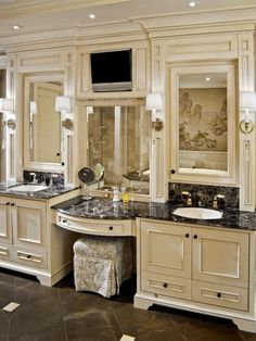 Traditional Bathroom Vanity Design, Pictures, Remodel, Decor and Ideas - page 2 Dream Bathrooms, Beautiful Bathrooms, Country Bathrooms, Chic Bathrooms, Master Bathroom Vanity, Bathroom Vanities, Bath Mirrors, Makeup Vanities, Framed Mirrors