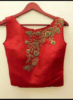 22 Graceful Pics of simple thread work blouse & Saree designs Kids Blouse Designs, Crop Top Designs, Sari Blouse Designs, Blouse Patterns, Blouse Styles, Kurti Embroidery Design, Embroidery Fashion, Hand Embroidery, Work Blouse