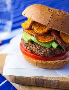 Easy and delicious vegan black bean burgers