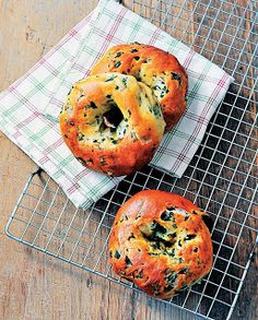 Make Your Own Kale Bagels