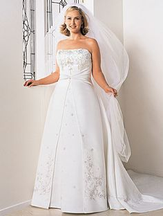flyingbrides.com Offers High Quality exclusive satin a-line strapless plus size wedding dress ,Priced At Only US$225.00 (Free Shipping)