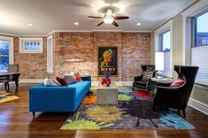 Sala con paredes de ladrillo