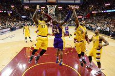 LeBron James Photos - Los Angeles Lakers v Cleveland Cavaliers - Zimbio