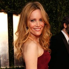 Leslie Mann Before and After Leslie Mann, Cameron Diaz, Redhead Girl, Brunette Girl, Stunning Redhead, Redheads Freckles, Beautiful Women Over 40, San Francisco, Lisa