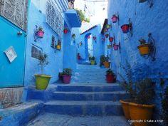 おとぎの国に迷い込んだみたい?幻想的な青い街「シェフシャウエン」を散策/モロッコ周遊旅行#6