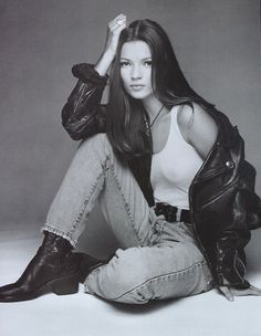 Kate moss photographed by patrick demarchelier for calvin klein, nineties fashion, Retro Fashion 90s, 80s Fashion Icons, Nineties Fashion, 2000s Fashion Trends, 90s Fashion Grunge, Fashion Moda, Trendy Fashion, New Fashion, Girl Fashion
