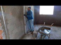 Cum se tencuieste un perete. Partea 2 Fesele (fixare șine de ghidaj) - YouTube