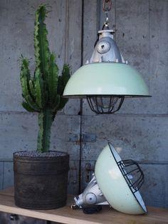 suspension abat jour emaillee gris lampe industrielle bauhaus