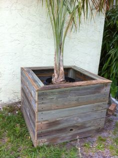 Reclaimed fence planter box