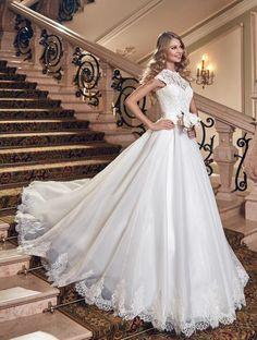 Mooie prinsessen trouwjurk met top van kant en organza rok