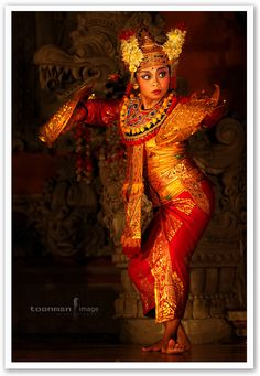 https://flic.kr/p/bytauM | Bali - Legon Dance | Legong is a form of Balinese dance. It is a refined dance form characterized by intricate finger movements, complicated footwork, and expressive gestures and facial expressions.  From Wikipedia, the free encyclopedia