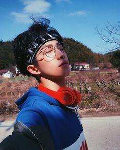 Great looking men korean fashion 9172 Cute Asian Guys, Cute Korean Boys, Asian Boys, Asian Men, Korean Girl, Look Fashion, Korean Fashion, Mens Fashion, Fashion Hair