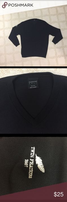 Dunning Golf V-Neck Sweater Rarely Worn long sleeve sweater of 94% poly/6% spandex.  Dunning logo on left sleeve, Twin Feathers logo on right.  Machine washable.  One inch Elastic stretch band at base. Dunning Golf Sweaters V-Neck
