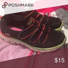 Skechers memory foam Skechers sport memory foam shoes. Size 8 good condition Skechers Shoes Athletic Shoes