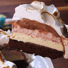 Baked Alaska sounds complicated and fussy but reality is its super easy Three layers of ice cream and a brownie crust make up this nostalgic ice cream cake Swap out the i. Frozen Desserts, No Bake Desserts, Easy Desserts, Easy Sweets, Italian Desserts, Baking Recipes, Cake Recipes, Dessert Recipes, Meal Recipes