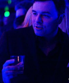 Share many drinks with the clever and entertaining Seth MacFarlane <3
