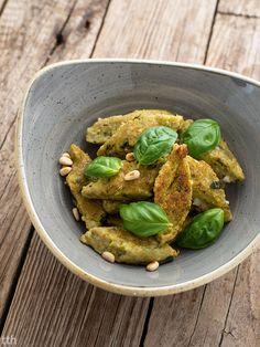 Kopytka jaglane z zielonym groszkiem i bazylią wegańskie, bezglutenowe