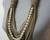 Grueso collar de la bufanda w/cadenas y perlas por MarieLaMode
