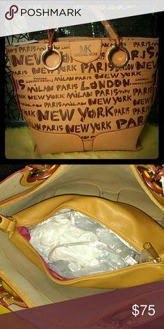 Sold Mk large handbag Nice large hand bag with detachable bag inside Rep Bags