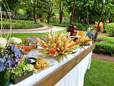 Fuente de chamoy y cocteleria / Recepción de invitados #Menú #Bodas Quinta Pavo Real del Rincón www.pavorealdelrincon.com.mx