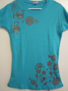 Puffy Paint Halloween Shirt Ideas by Lori Boyd Puff Paint Shirts, Fabric Embellishment, Embellishments, Puffy Paint, Diy Fashion, Fashion Ideas, Embellished Top, Halloween Shirt, Fabric Painting