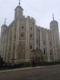 The White Tower in the Tower of London.   London, England.