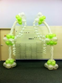Balloon arch with twisted 260 balloons and link-o-loons