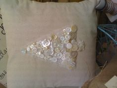 Christmas tree button pillow