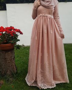 "4,006 Likes, 52 Comments - Fatmanur (@faaaatmanur_) on Instagram: ""Dress: @ileyda_boutique    so simple and beautiful! Bu güzel ve çok çok rahat olan elbisemi…"""
