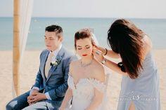 Persian ceremony in front of the sea - Vanessa Serrani Wedding Planner Barcelona Wedding Planner, Destination Wedding, Persian, Barcelona, Wedding Dresses, Fashion, Wedding Planer, Bride Dresses, Moda