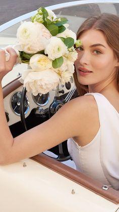 Estée Model Grace Elizabeth for Beautiful Belle Eau de Parfum. #LoveBreaksAllRules Grace Elizabeth, Beauty Makeup, Hair Makeup, Hair Beauty, Classic Wedding Themes, Eyebrows, Perfume Gift Sets, Guess Girl, Prettiest Actresses