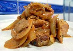 Esta sencilla forma de preparar el atún gustará a toda la familia. La mejor forma de consumirlo es acompañado de patatas fritas o arroz blanco.