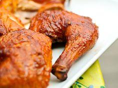 Huli Huli Chicken Recipe Hawaiian Grill, Huli Huli Chicken, Good Food, Yummy Food, Glazed Chicken, Rotisserie Chicken, Bbq Chicken, Grilled Chicken, Chicken Sauce