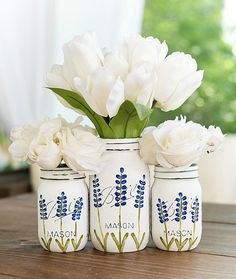 This item is unavailable Painted Texas Bluebonnet Flower Mason Jars - Painted Distressed Mason Jars. Mason Jar Art, Mason Jar Crafts, Bottle Crafts, Distressed Mason Jars, Quart Size Mason Jars, Mason Jar Projects, Diy Projects, Art Vintage, Jar Centerpieces