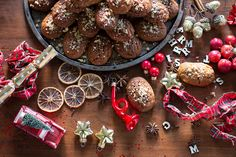 The Greek Christmas cookies Melomakarona are crunchy outside, juicy from honey inside and filled with crunched walnuts. Christmas Traditions, Christmas Recipes, Melomakarona Recipe, Greek Christmas, Traditional Christmas Cookies, Honey Syrup, Christmas Preparation, How To Make Cookies, Other Recipes
