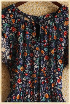 Details : Brand: N/A/  Size marked: N/A ( No tags but its a sm/m )  Material: 100% Cotton      Measurements Laying Flat :    17 in chest ( armpit to