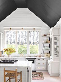 Pale grey and white kitchen farmhouse kitchen renovation Home Decor Kitchen, New Kitchen, Home Kitchens, Kitchen Design, Home Design, Layout Design, Design Ideas, Dark Ceiling, Ceiling Color