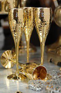 This holiday, decorate bold gold. ...repinned für Gewinner! - jetzt gratis Erfolgsratgeber sichern www.ratsucher.de