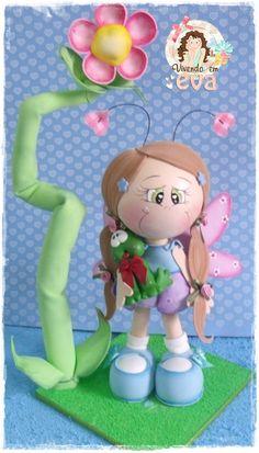 muñeca colección Clay Dolls, Doll Toys, Handmade Crafts, Diy And Crafts, Clothespin Dolls, Clay Figurine, Doll Tutorial, Foam Crafts, Fairy Dolls