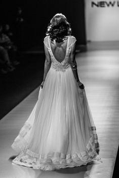 "mod ""Gaiya"" fashion show, openback, vintage wedding dress, boho wedding dress, VG Ζolotas, Atelier Zolotas, Handmade wedding dress, women fashion, bridal fashion, bride, headpiece, jewelry, headband"