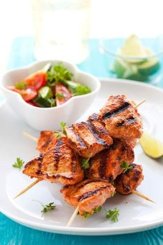 Healthy Grilling Marinades - Quick reference when you know what flavor your going for but don't know what spices to add! Healthy Grilling, Grilling Recipes, Cooking Recipes, Healthy Recipes, Grilling Tips, Cooking Tips, Diet Recipes, I Love Food, Good Food