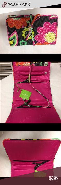 Verá Bradley Colorful Roll Ziggy Zinnia Verá Bradley Colorful Roll Ziggy Zinnia Vera Bradley Bags Cosmetic Bags & Cases